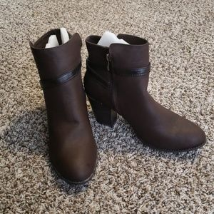 Brown Booties NWOT Faux Leather Size 11